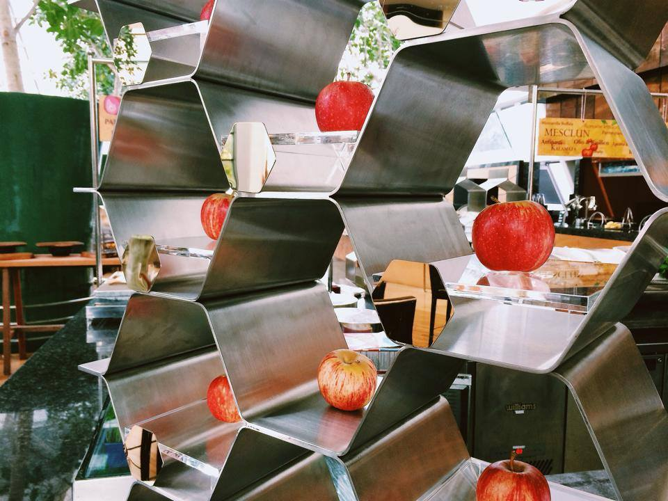 Honeycomb display