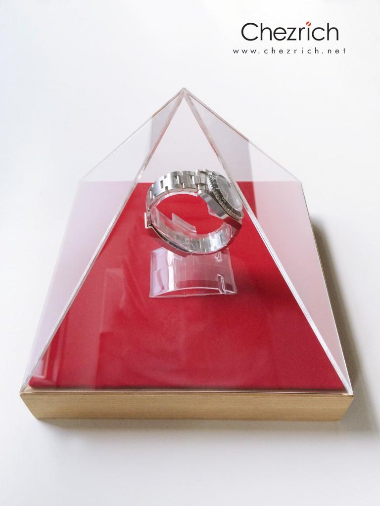 Pyramid Display by Chezrich 1