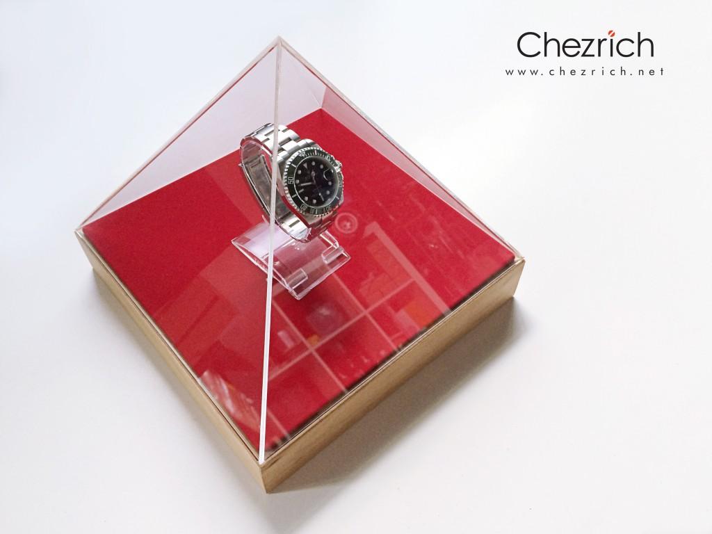 Pyramid Display by Chezrich 2