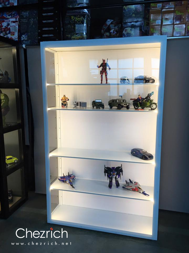 Giant Budget Display Cabinet   Chezrich